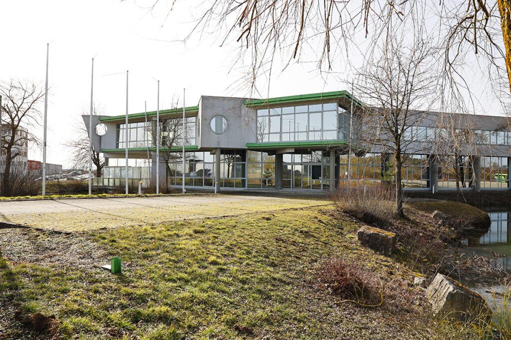 Unser Foto zeigt den Neuer Innovationscampus mit den Büro-Räumlichkeiten des Biomasse-Instituts in Merkendorf.